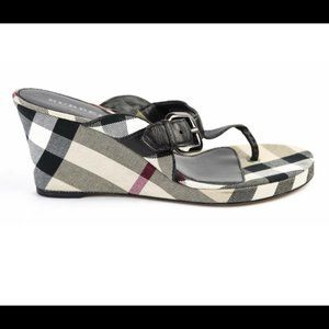 🎉HP Burberry Black Leather & Canvas Thong Wedges